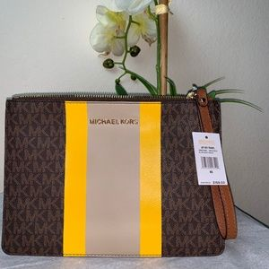 Michael Kors JetSet XL Leather Zip Clutch Wristlet